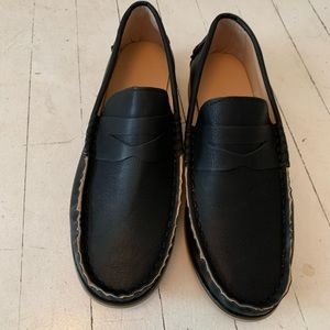 Black round toe loafers. Never worn!